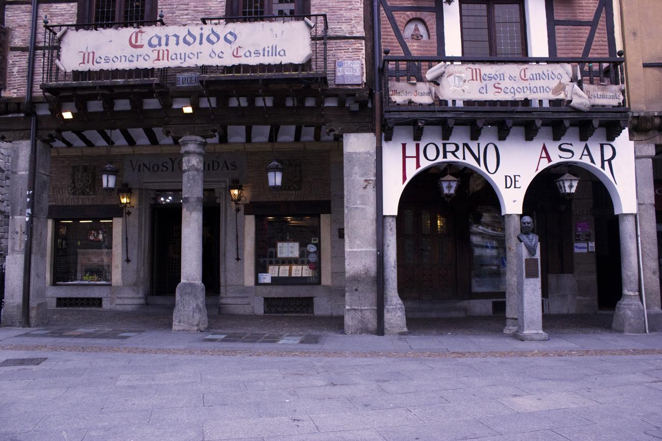 Cochinillo en Segovia - Mesón de Cándido